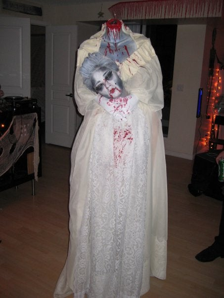 How To Make A Headless Marie Antoinette Halloween Costume 6 Steps Instructables