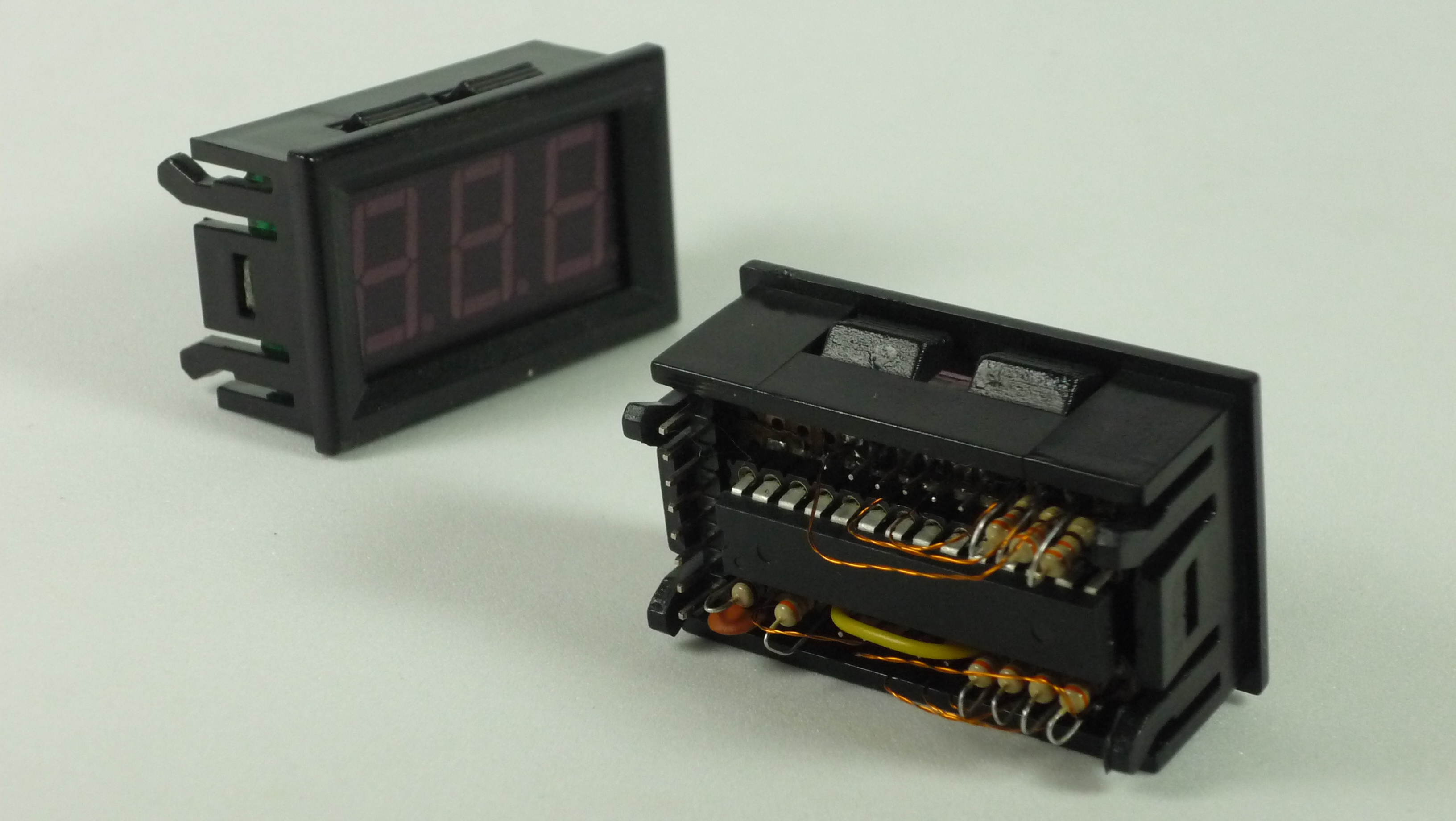 Picture of PANEL MOUNT 7 SEGMENT DISPLAY WITH EMBEDDED ARDUINO