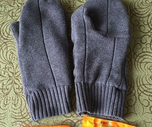 Thinsulate Sweater Mittens With a HotHands Pocket!