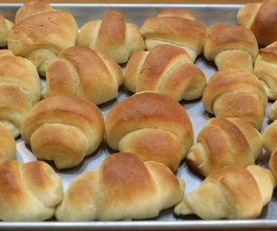 Soft Buttery No-Knead Dinner Rolls