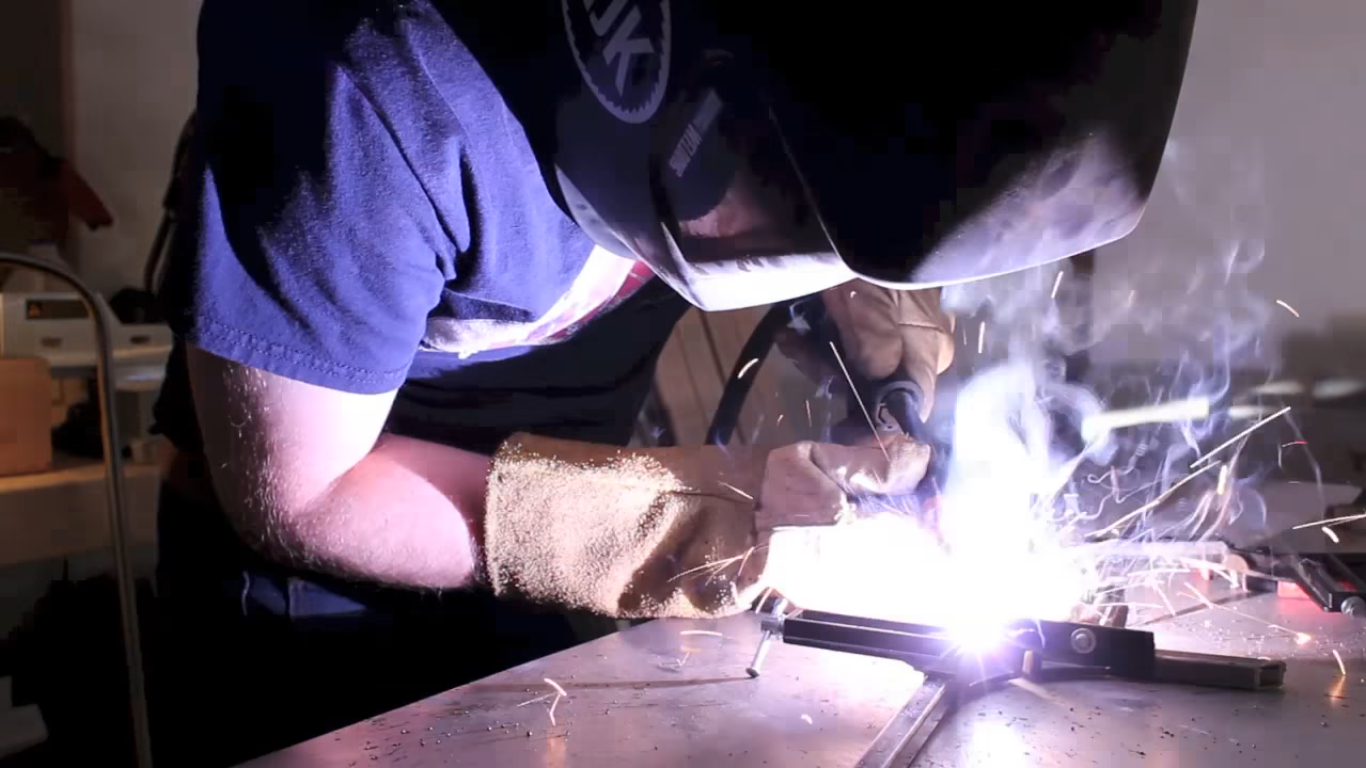 Picture of Making the Steel Frame (6/11)