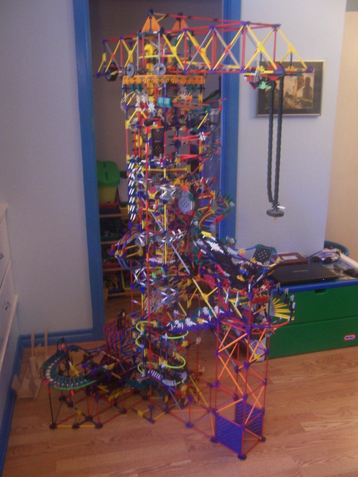 Picture of Erection - a K'nex Ball Machine