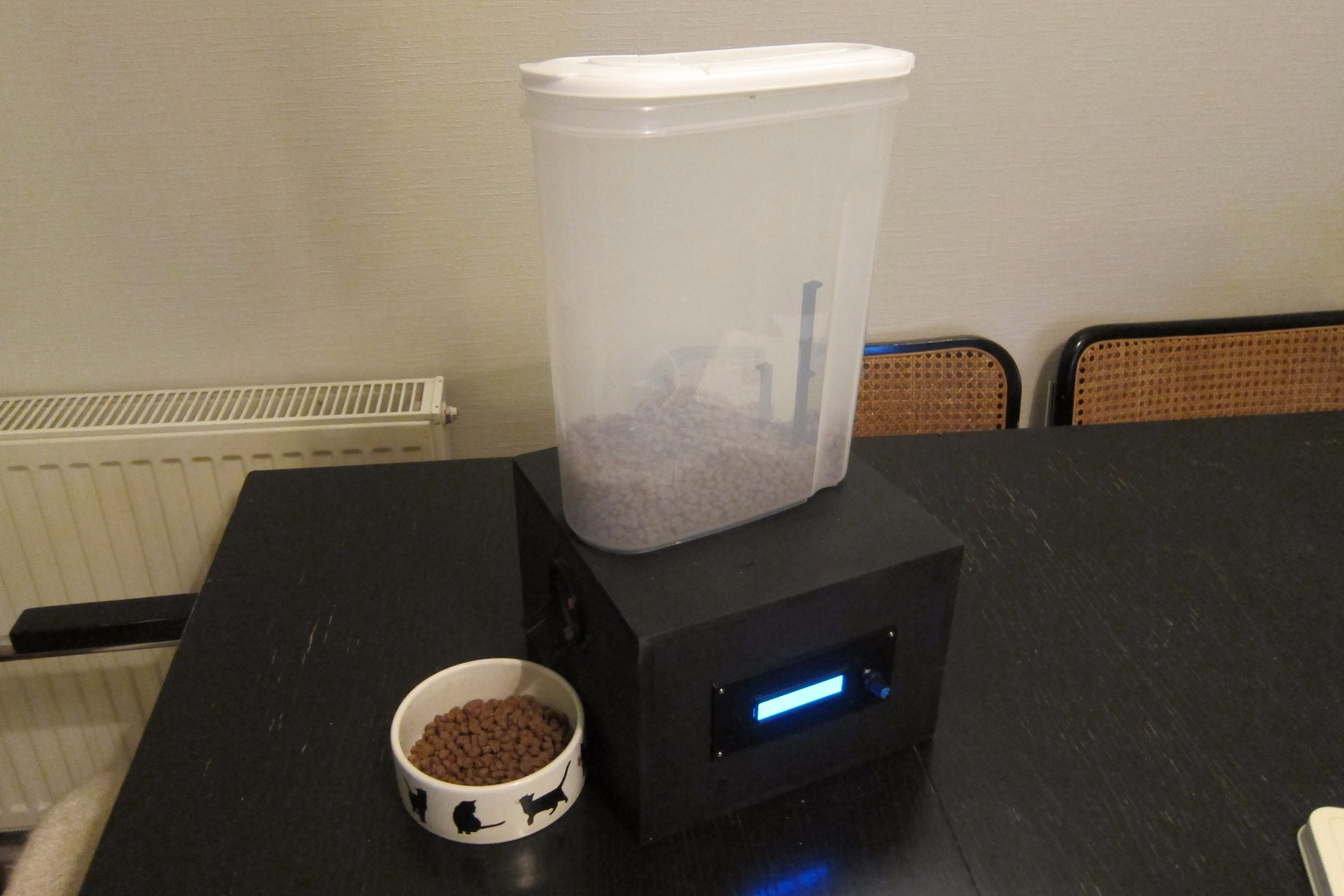 Picture of Automatic Arduino Powered Pet Feeder