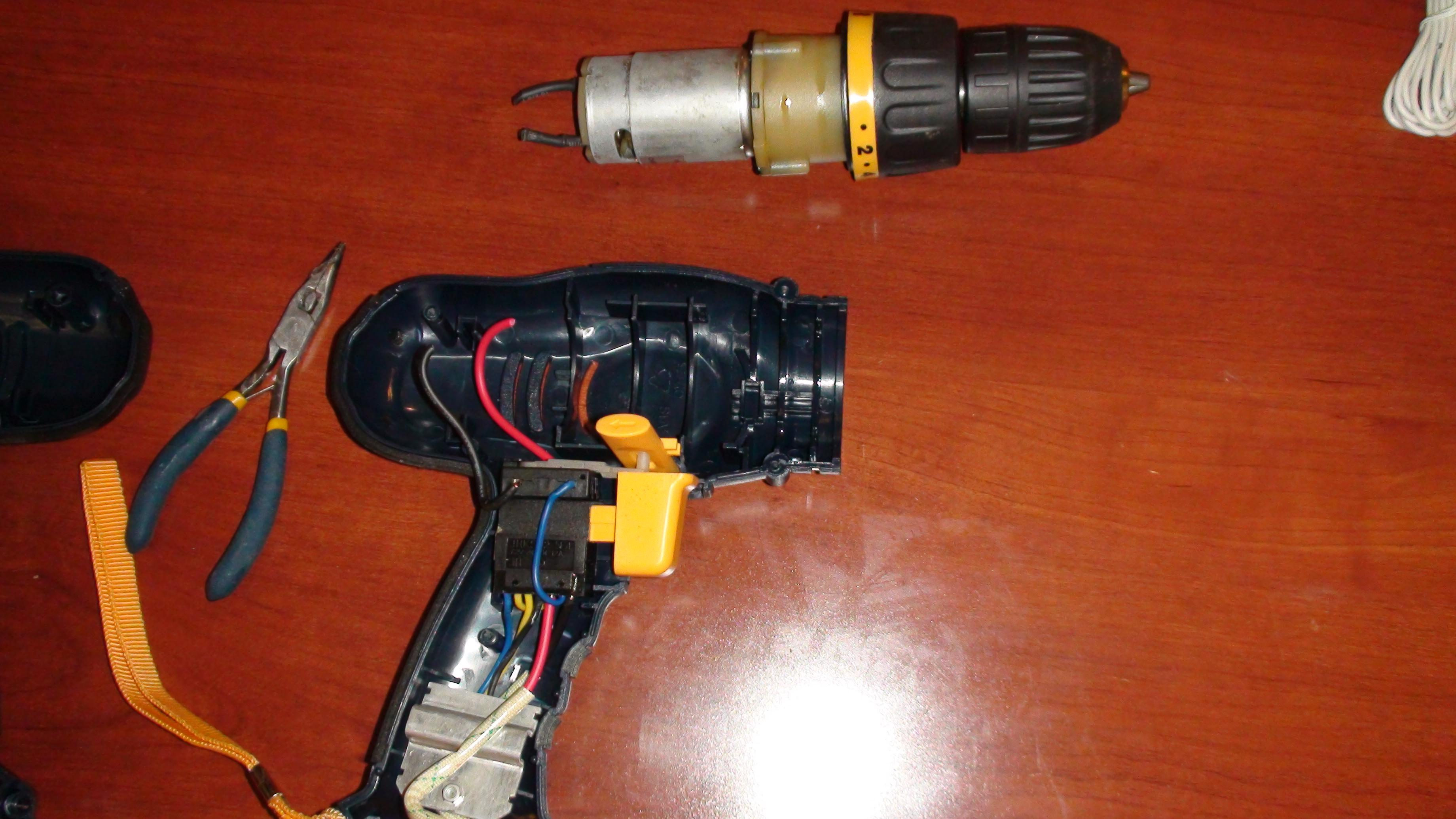 Picture of Remove Drive Motor and Chuck Assembley