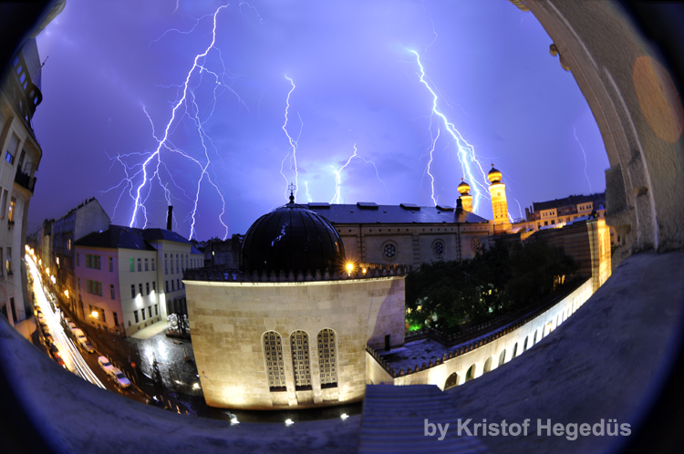 Picture of How to Take Really Spectacular Lightning Photos