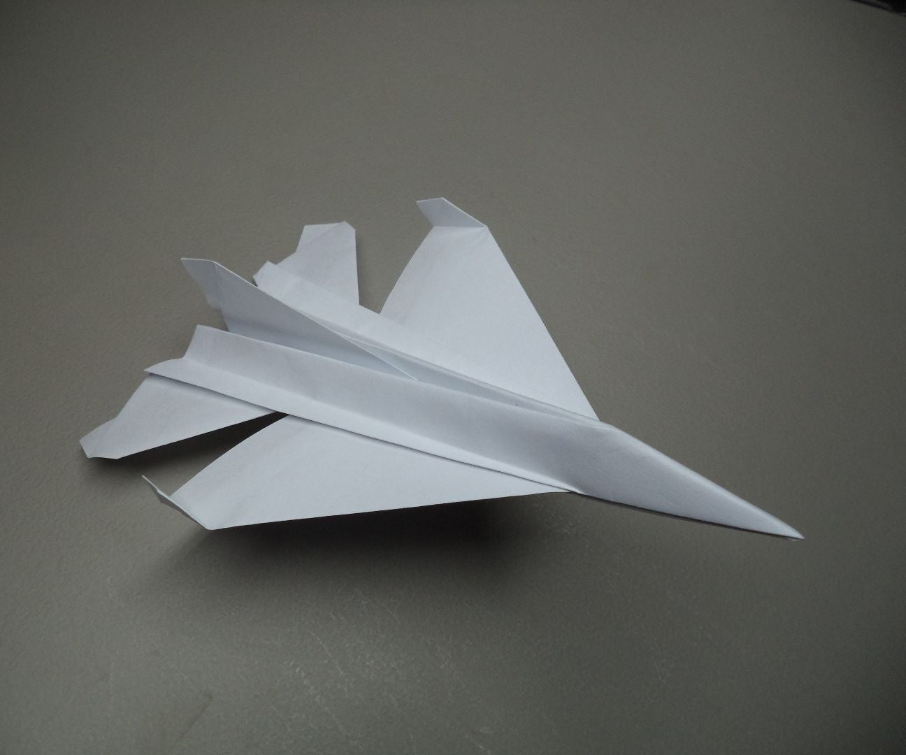 How to make a simple origami airplane (fighter jet plane): page 1 | 1080x1296