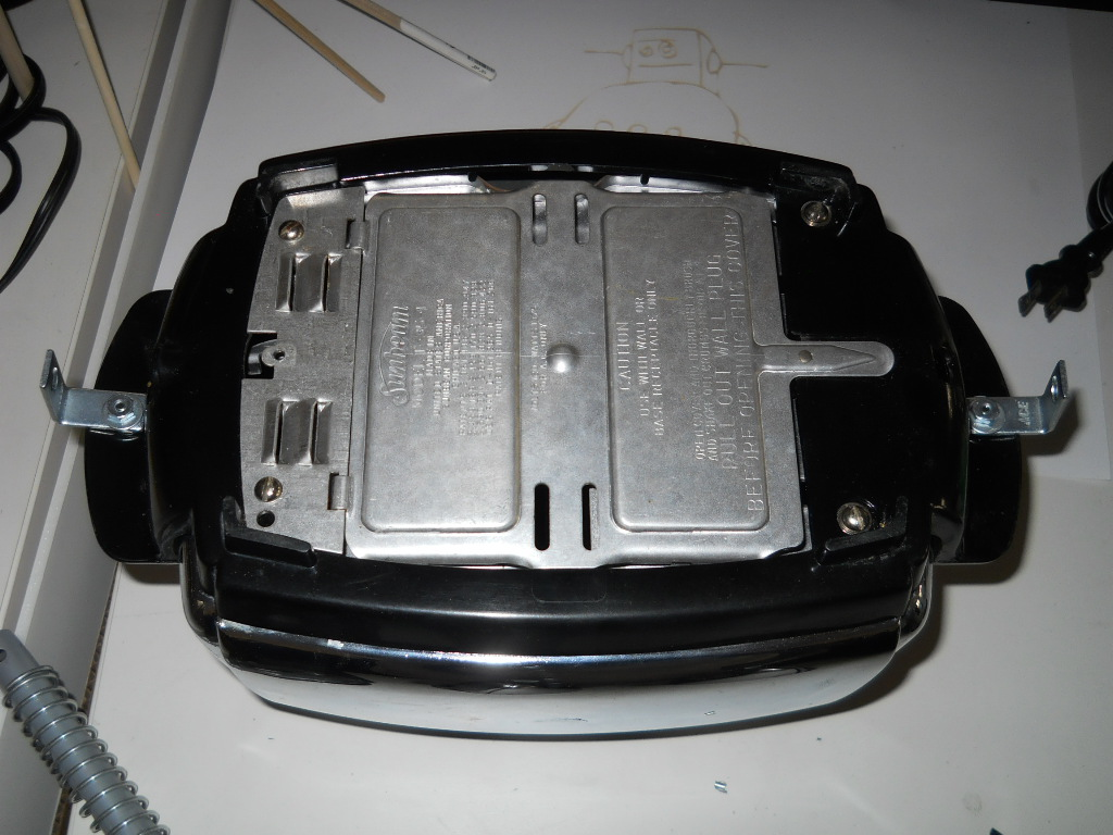 Picture of Preparing the Bottom of the Toaster