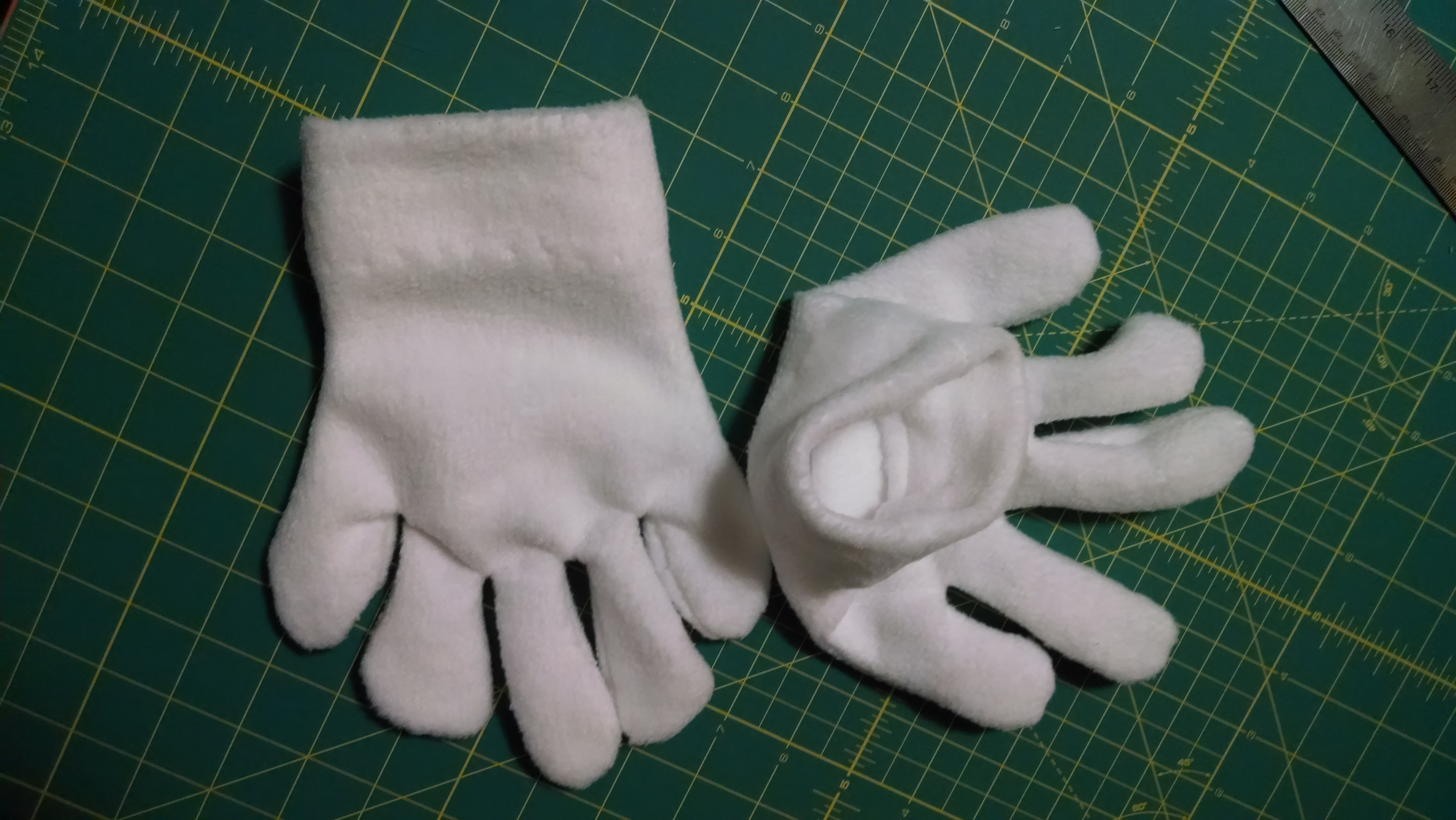 Picture of Sonic's Gloves