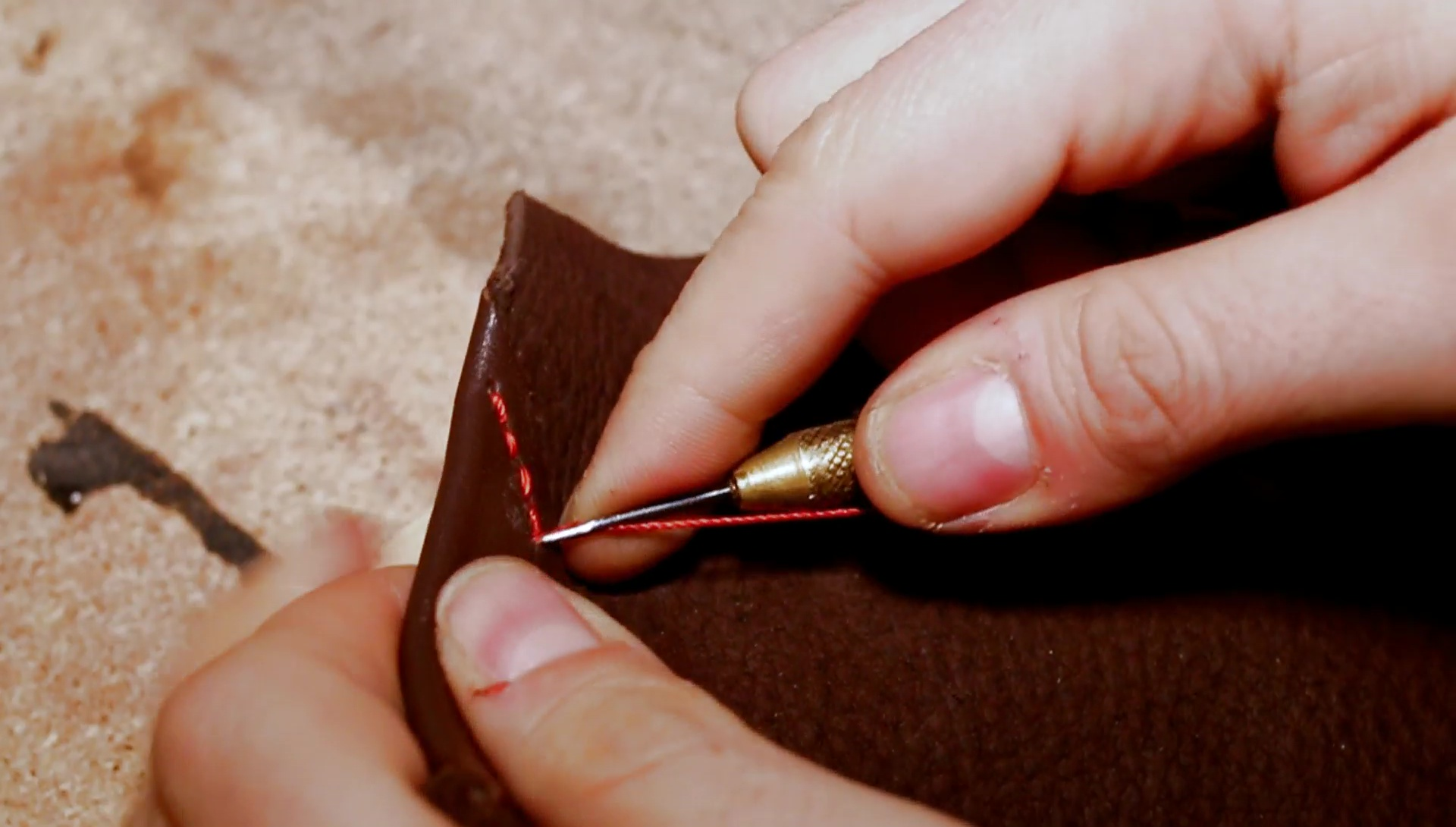 Picture of Sewing the Leather Edge Protection