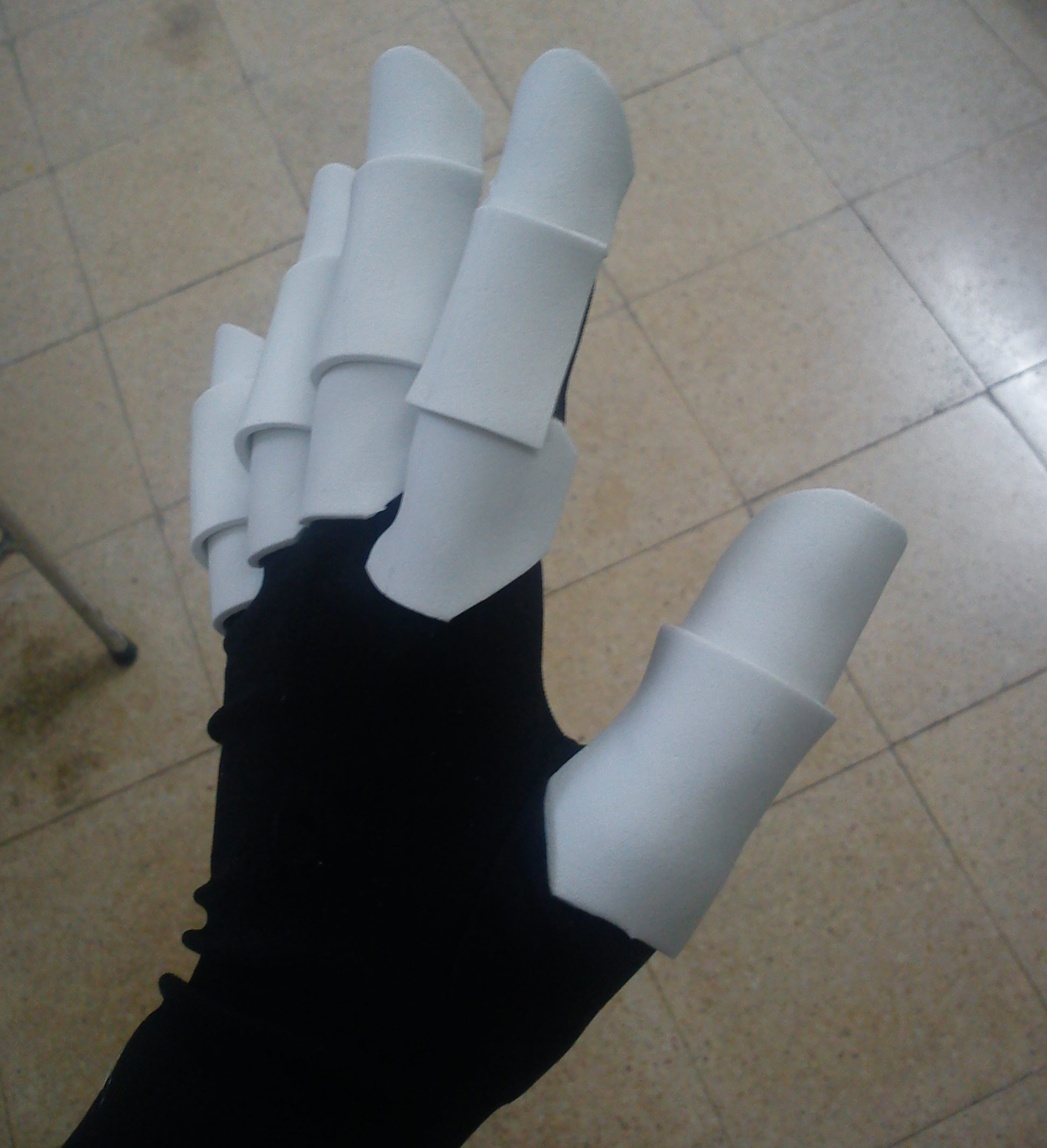 Picture of Gluing the Fingers