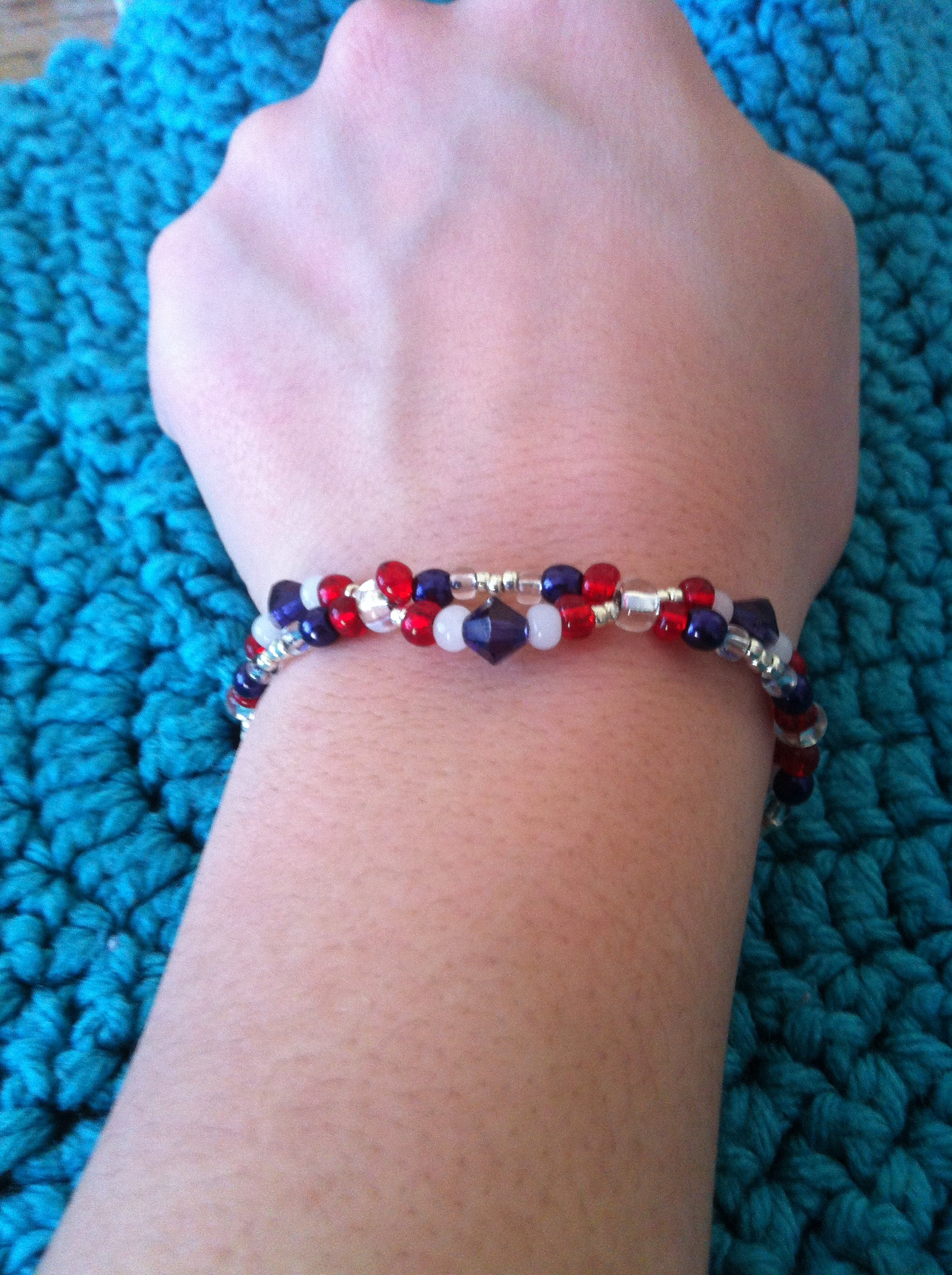 """Picture of How to Make a """"Wave"""" Beaded Bracelet"""