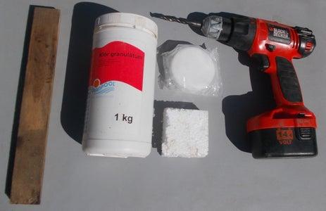 Floating Chemical Dispenser for Pool