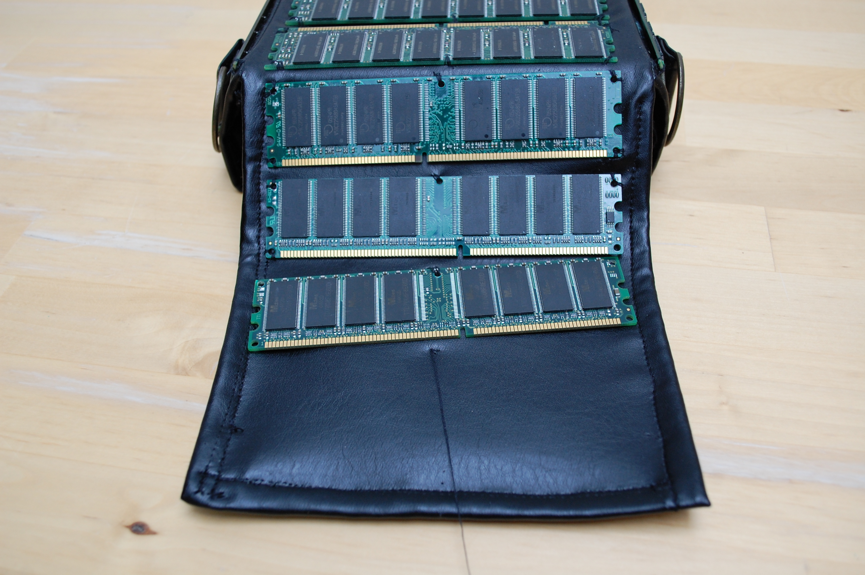 Picture of Tips on Placing the RAM