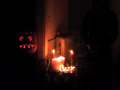 Solid-state Halloween Controller and How to Build a Haunted House