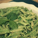 Whole Grain Macaroni With Spinach and Parmesan Sauce