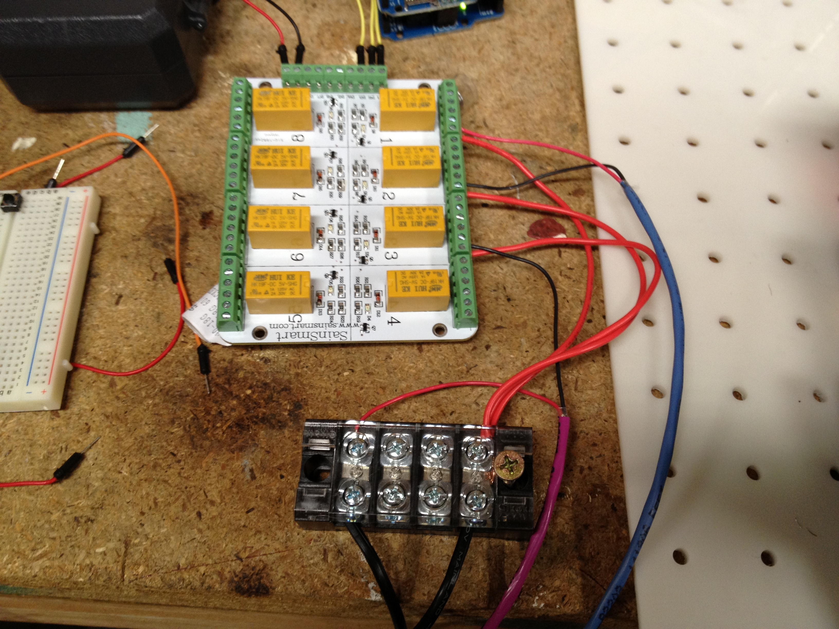 Picture of Arduino Powered Mini Traffic Signal - Monitor Your Repair Shop!