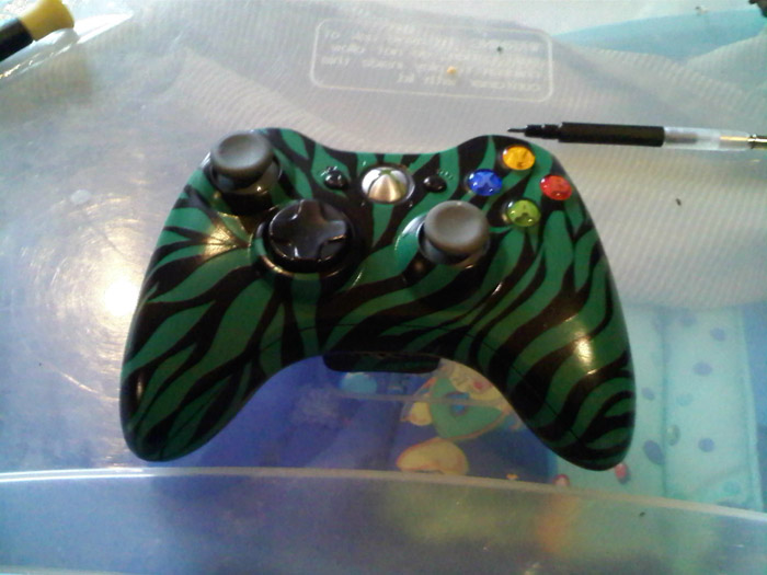 Picture of How to Paint Your XBox360 Controller!
