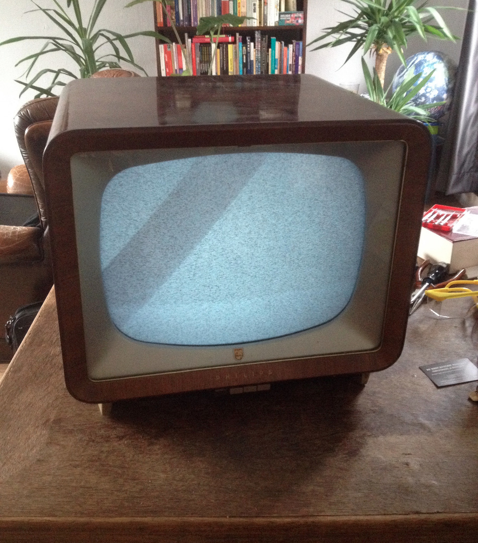 Picture of Ombrovision: Vintage Tv Turned Into Rainy Weather Alarm