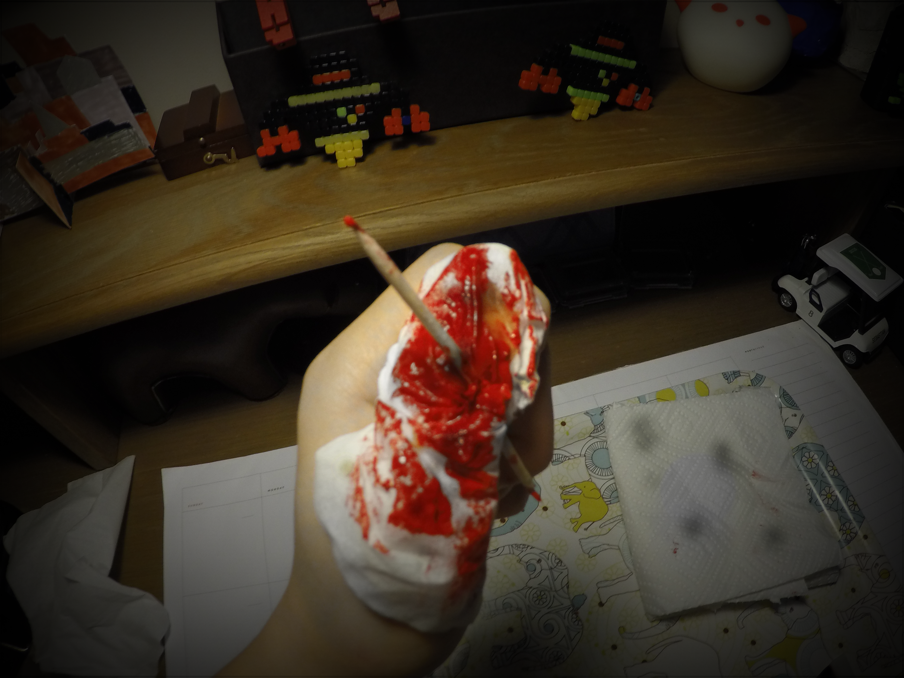 Picture of Quick Last Minute Bloody Tooth-Picked Wound SFX