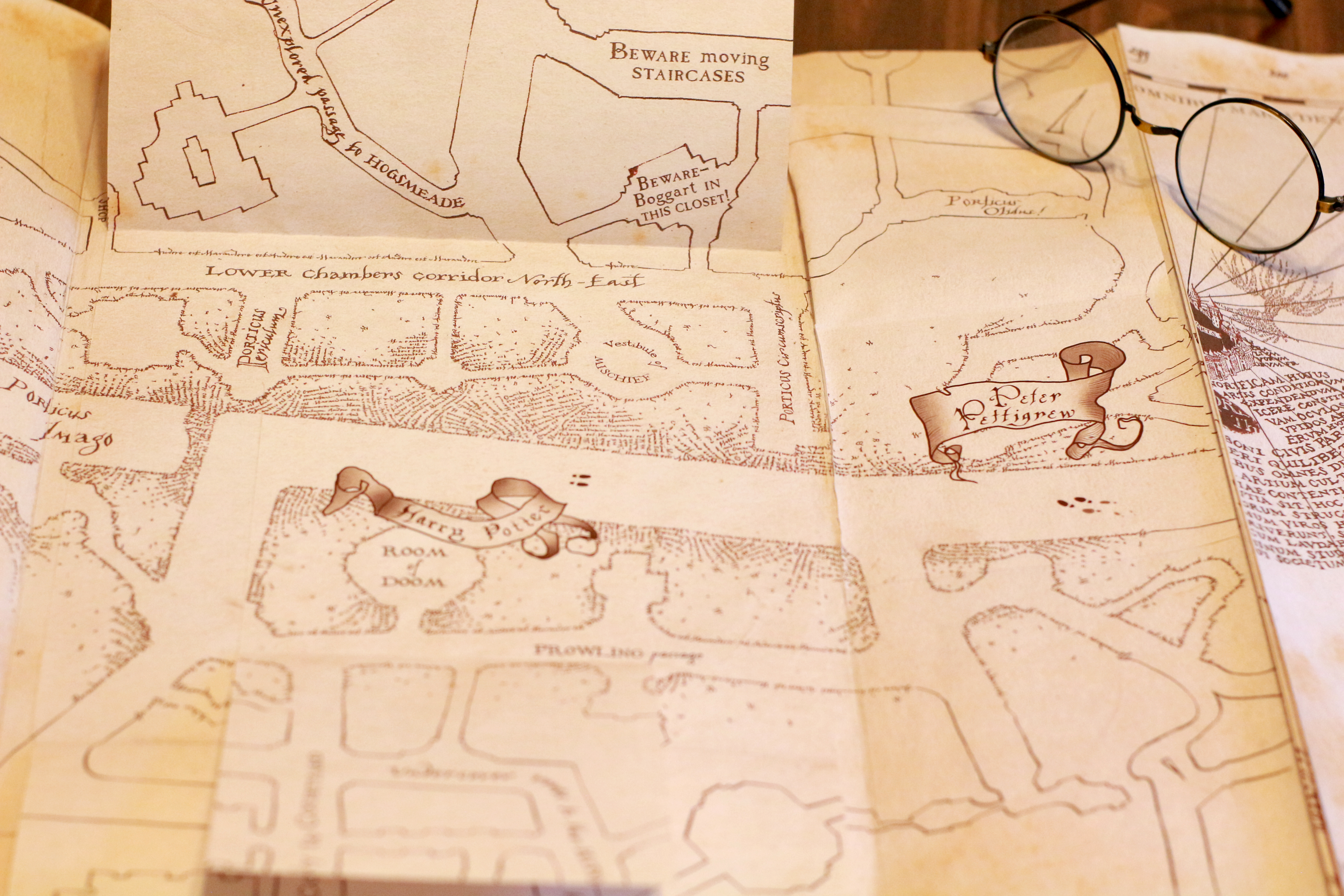 Picture of Marauder's Map - With Hidden Footprints! (Full Size Replica)