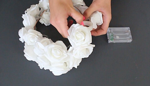 Is So Easy and Beautiful This LED Flower Crown!