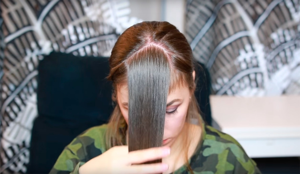 Picture of Tie Your Hair in a Ponytail
