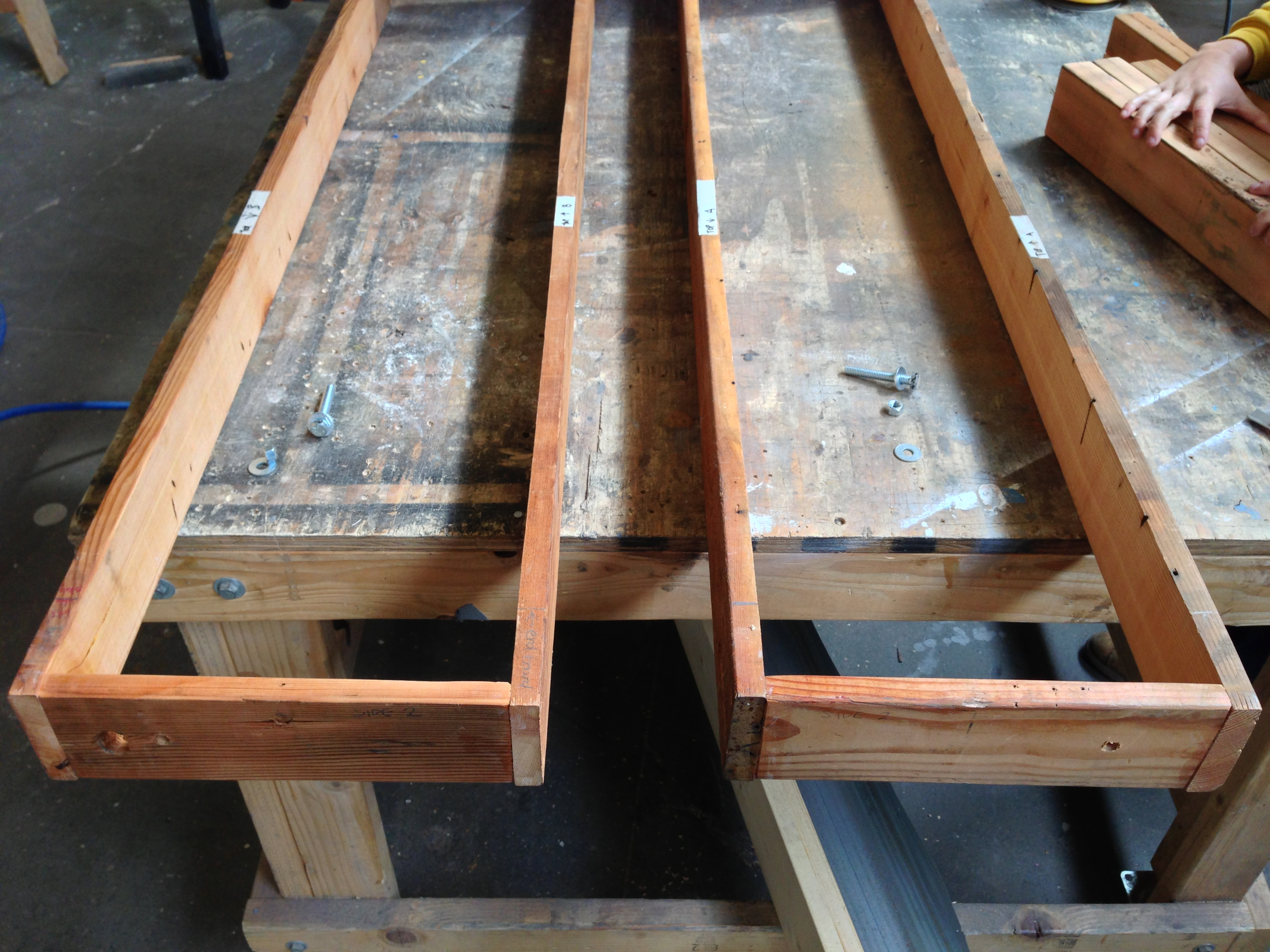 Picture of Construct Table Structure: Inner Aprons and Outer Aprons