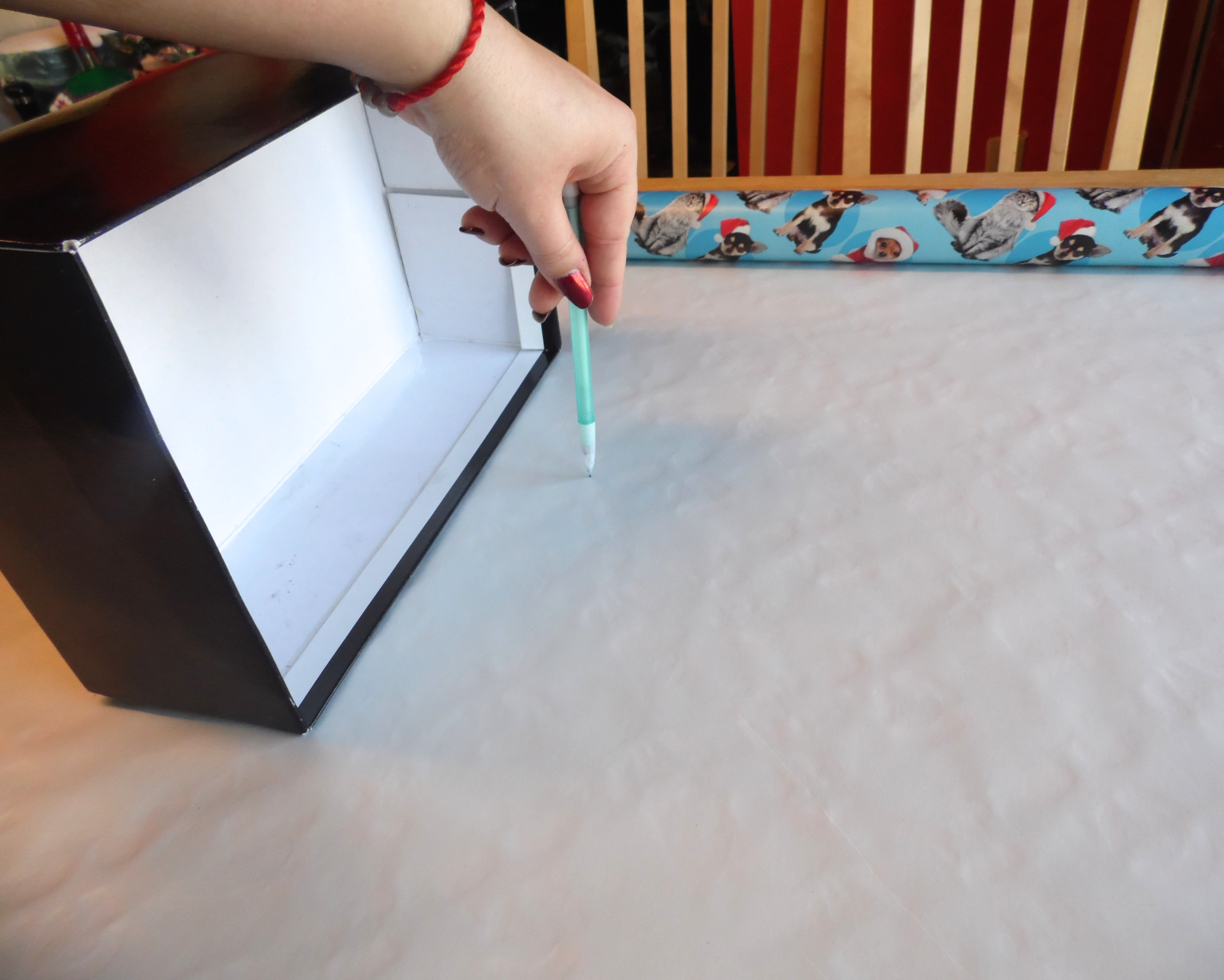 Picture of Measure Out Your Wrapping Paper