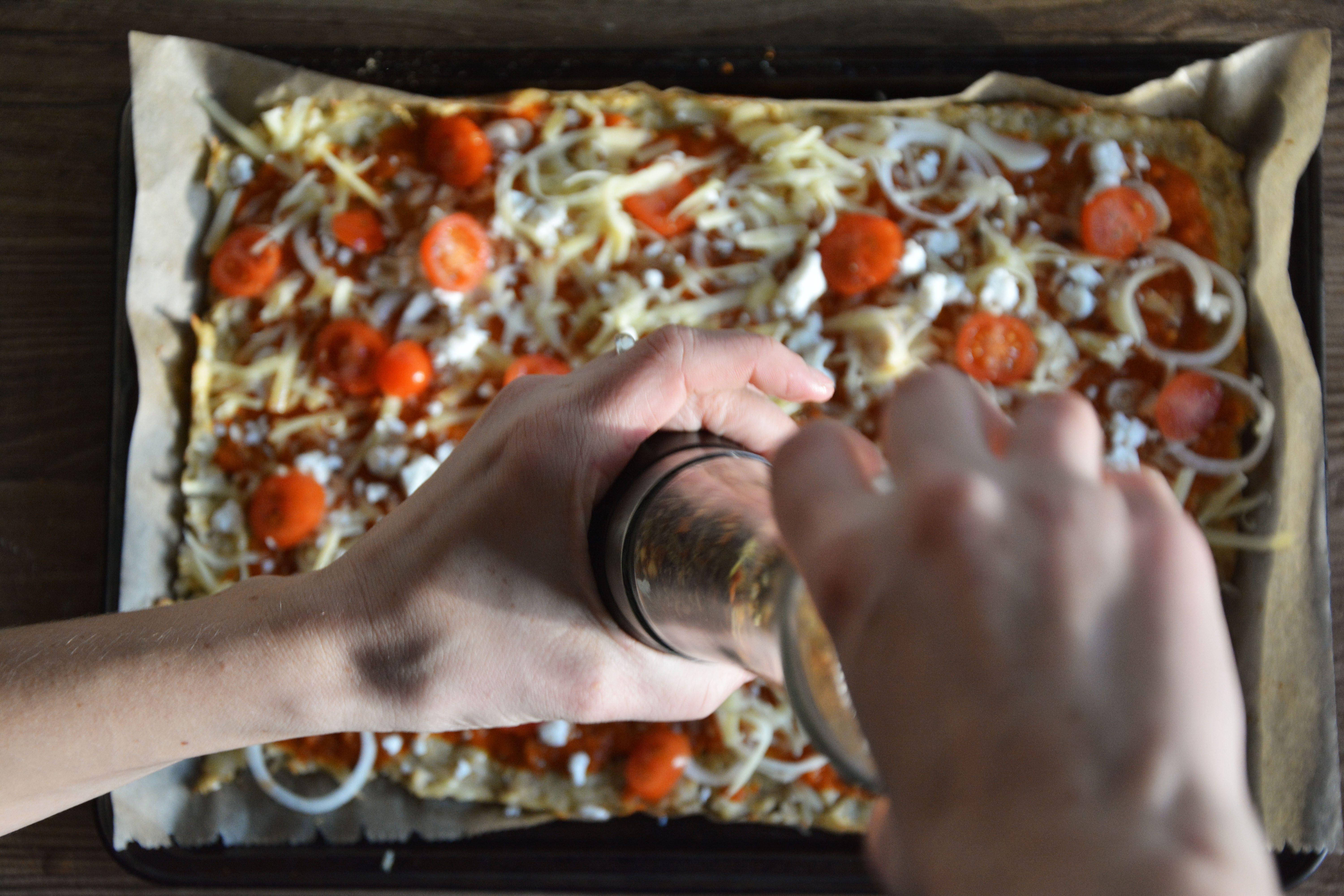 Picture of Topping the Pizza