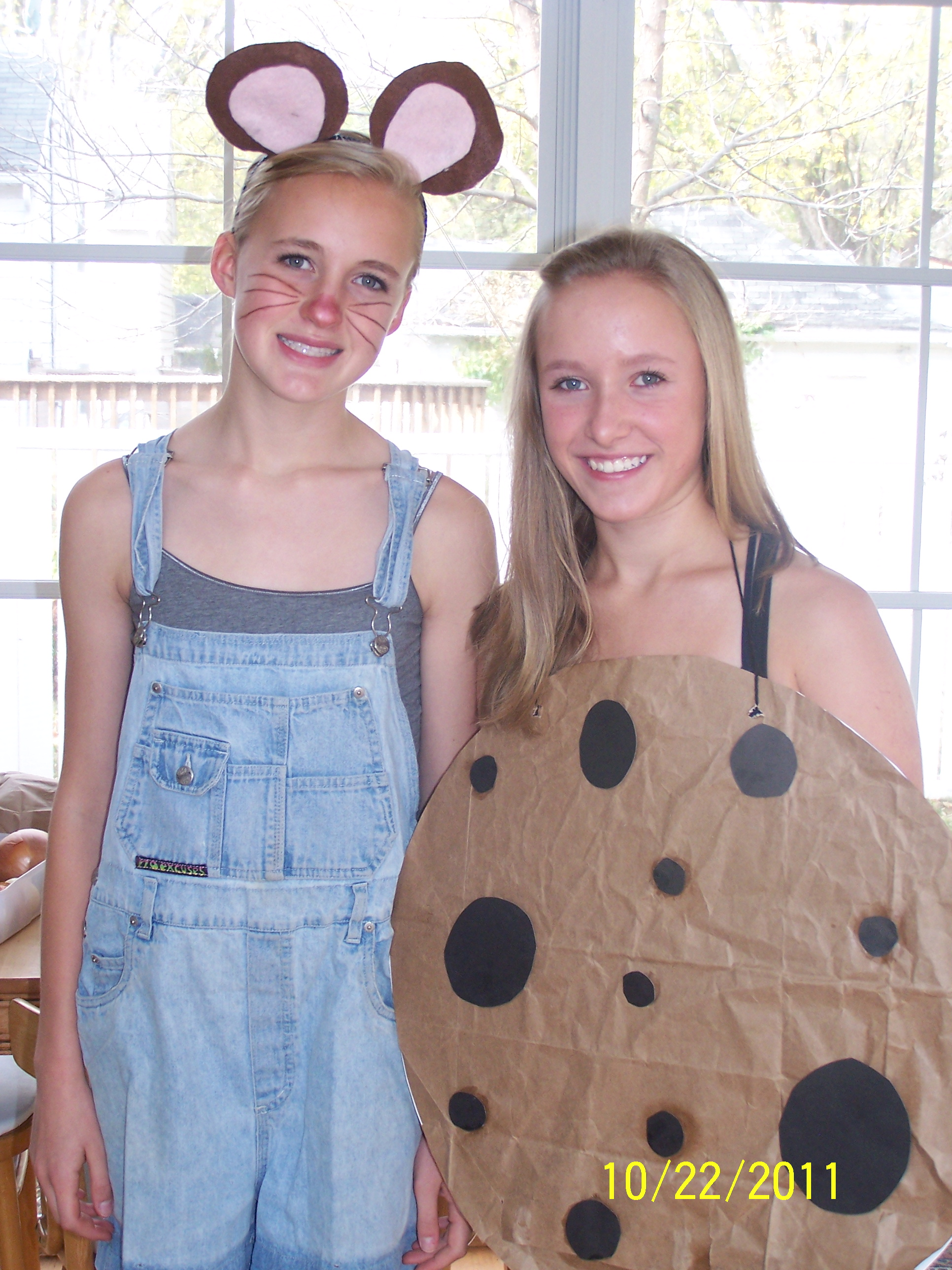 Picture of If You Give a Mouse a Cookie...costume for Two