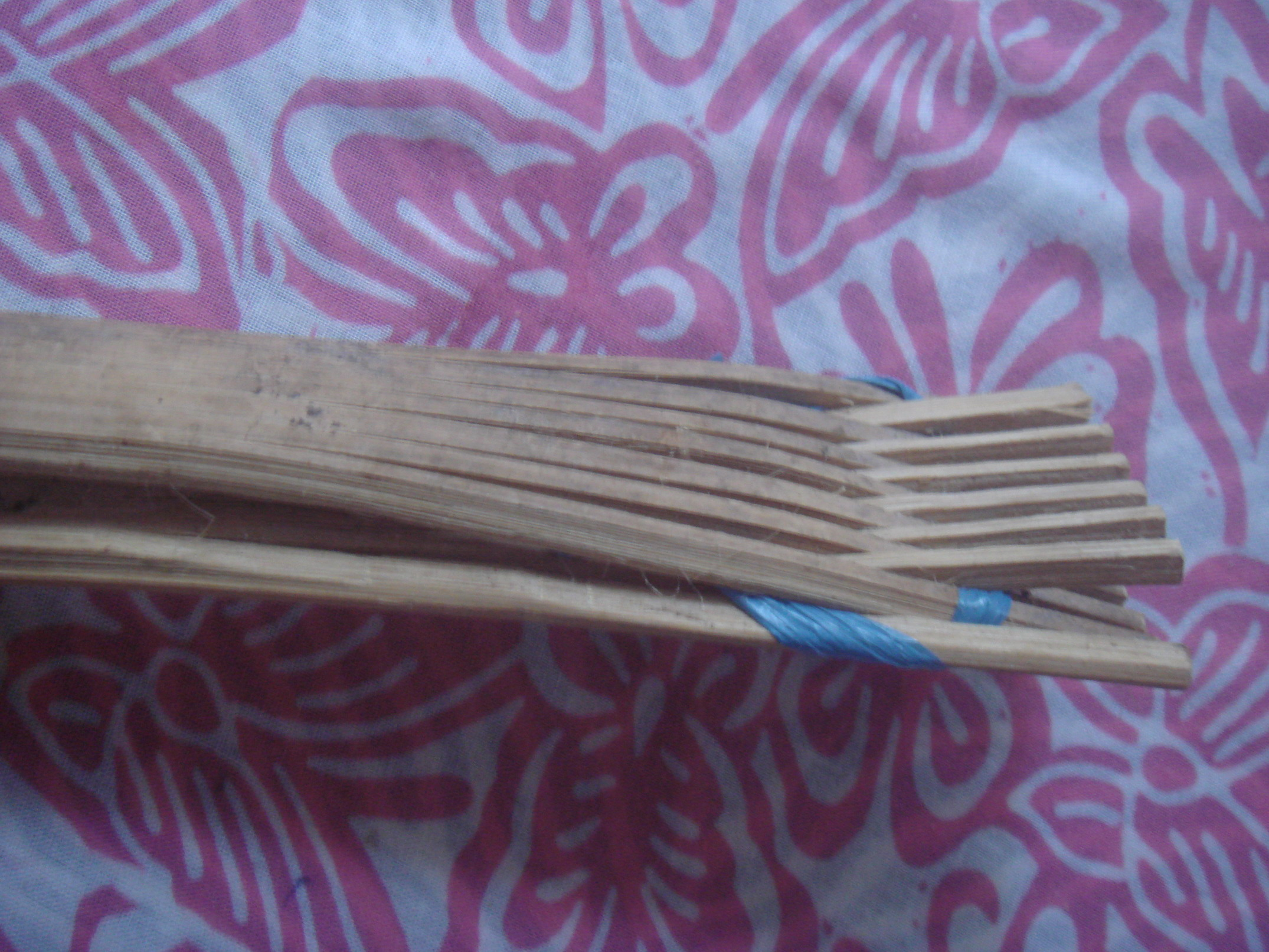 Picture of Bamboo Tongs for Salad, Teflon-pan Cooking, Barbecue, Grill, Etc
