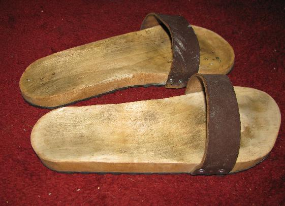 Making Wooden Sandals (Scholl's Style)