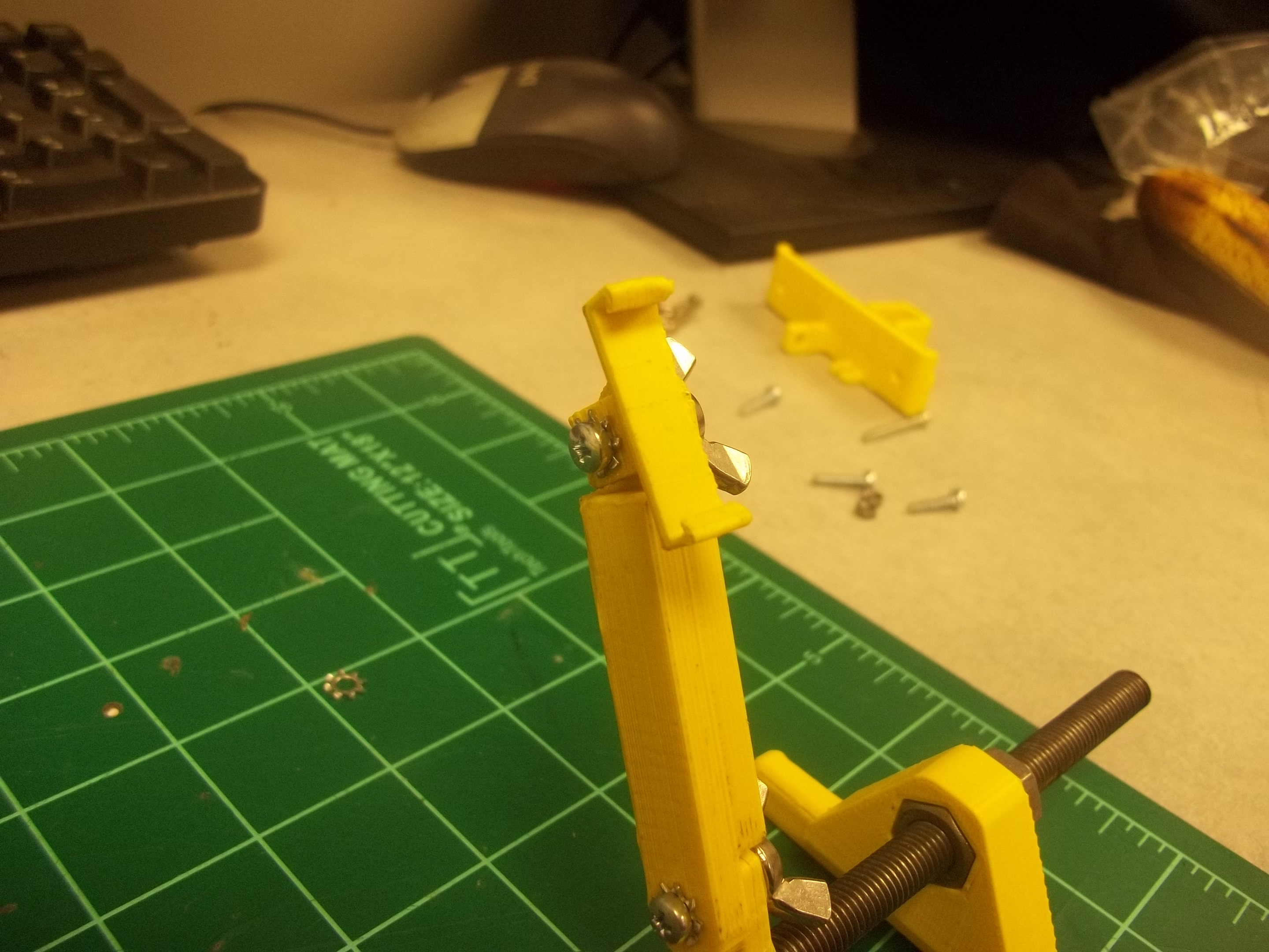 Picture of Attach Right Glint Module Mount to Right-most Extension Arm