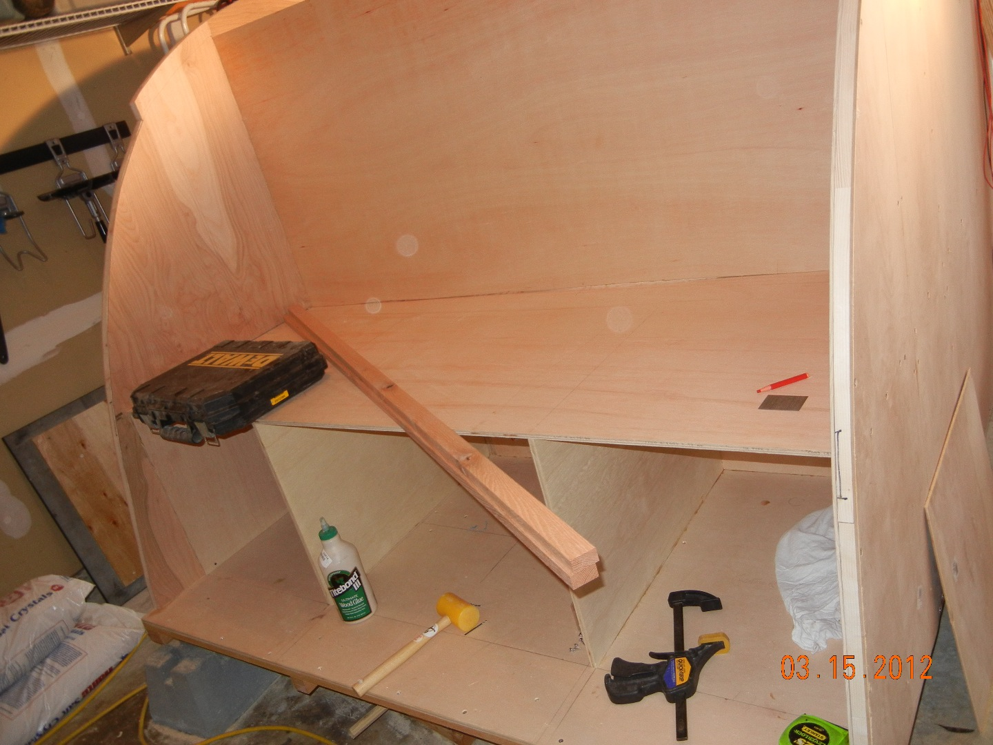 Picture of Mounting the Sides and Roof Struts