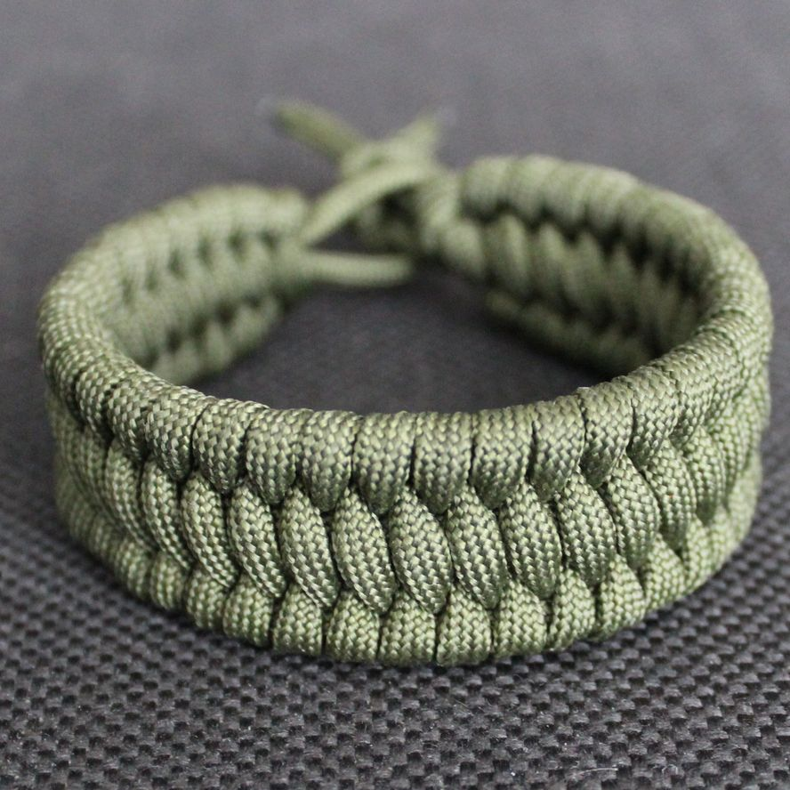 Picture of Making a Trilobite Bracelet From a Paracord