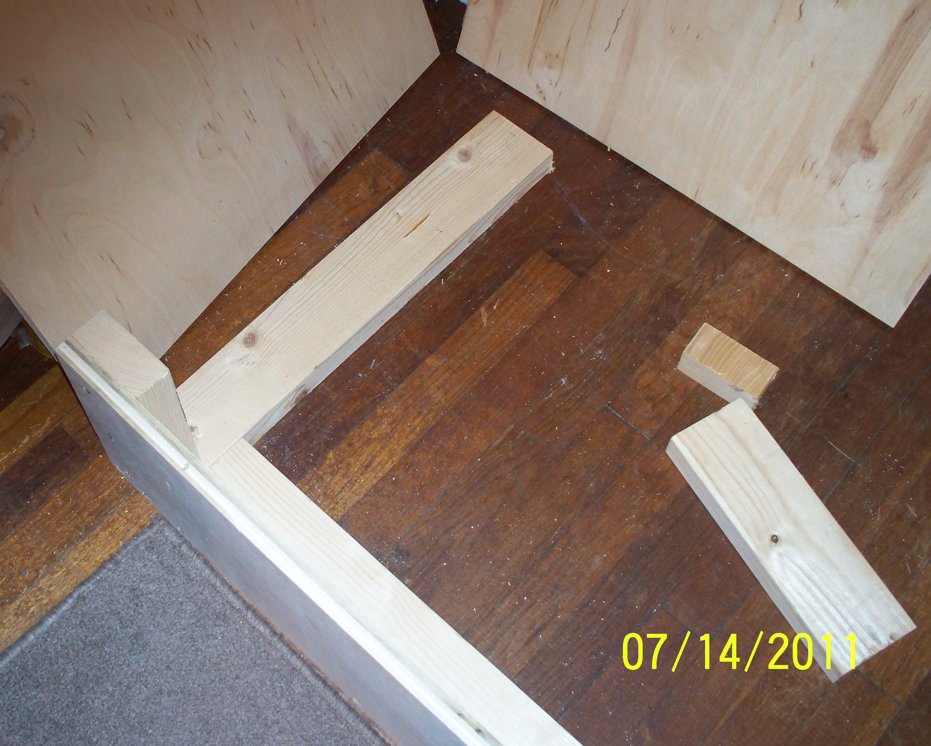 Picture of Assembly: Legs