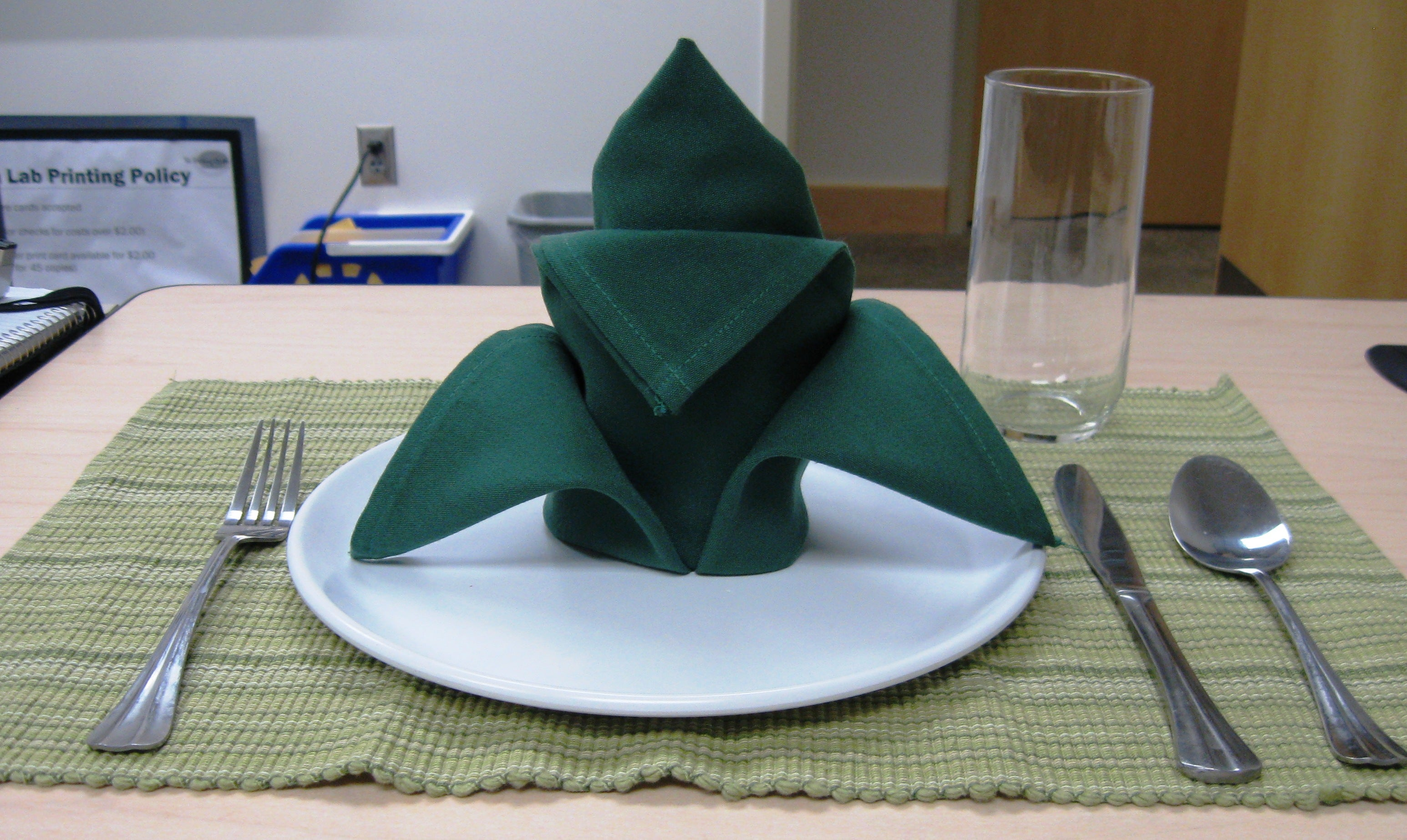 How To Fold A Cloth Napkin Crown Fold 7 Steps With Pictures