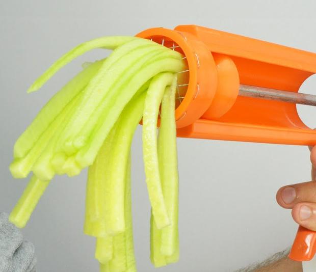 Picture of Carrot & Cucumber Cutter (Julienne)