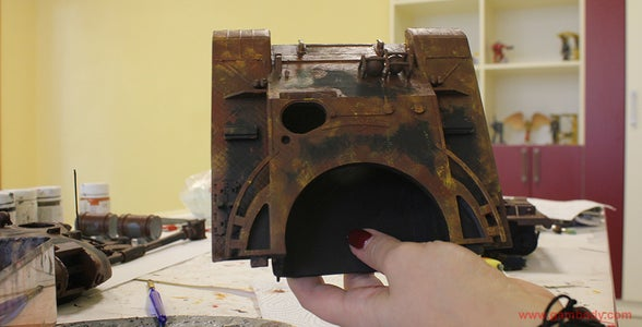 Applying Rusty Colour Paint