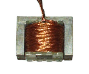 Strong Electromagnet From an Old Transformer