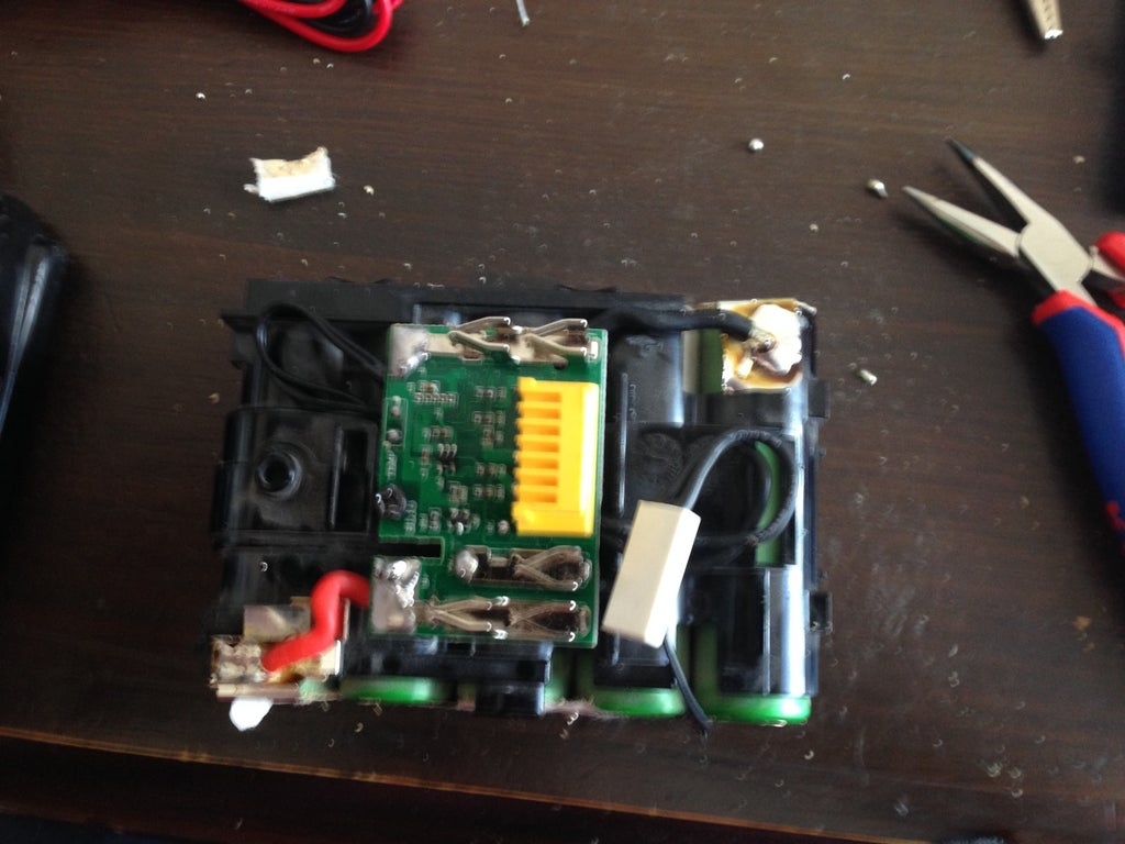 Makita 18v LXT Lithium-ion Battery Repair: 4 Steps (with Pictures) on