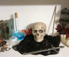 Halloween Props That Turn to Look at You as you Walk By