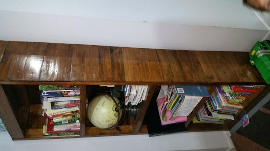 Toy Storage Unit/Window Seat Made From Pallets