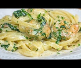 Shrimp and Spinach Alfredo With Bacon