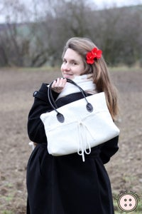 Turn Old Sweater Into a Handbag
