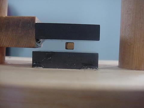 Picture of Diamagnetic Levitation Experiment