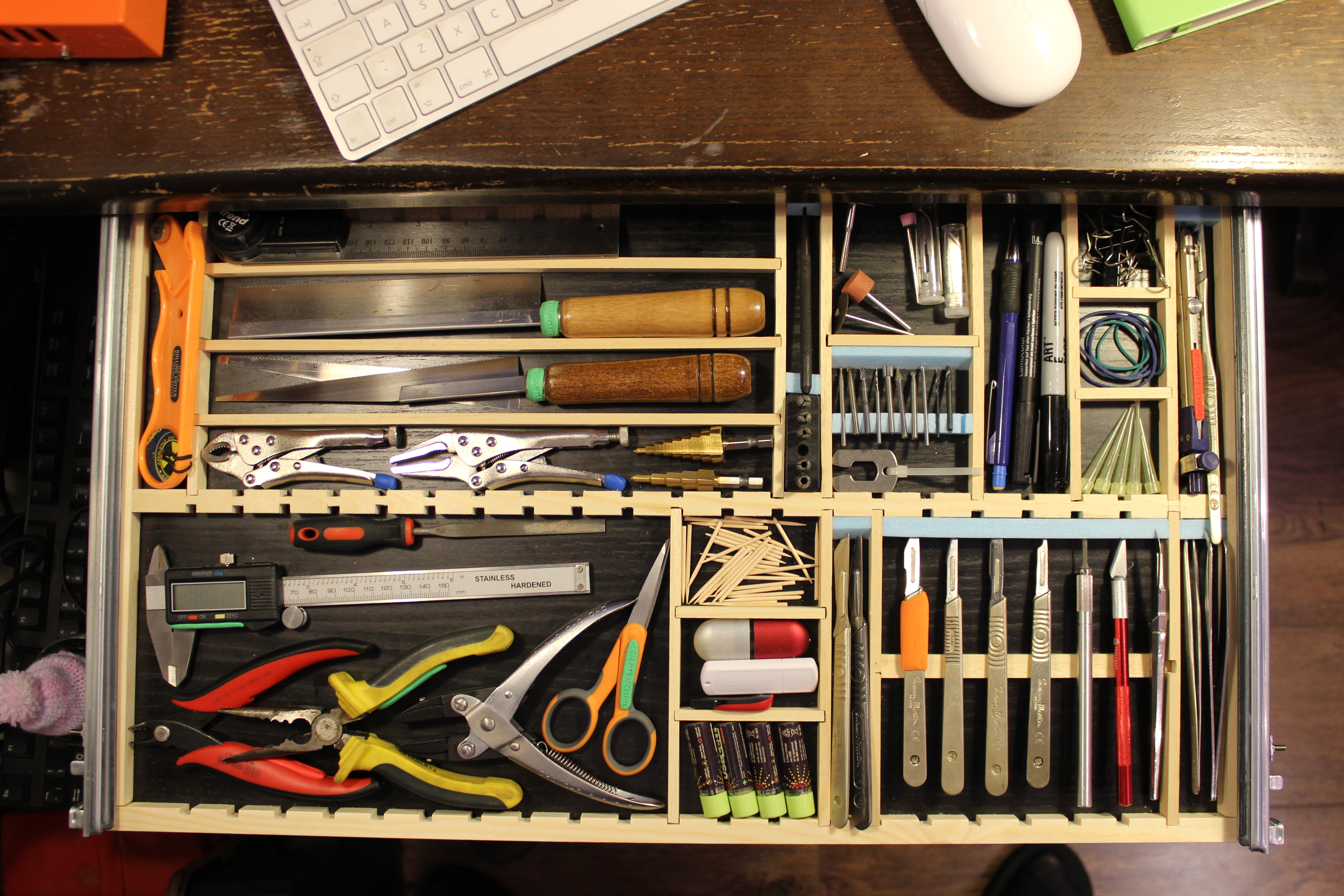 Picture of Under Desk Tool Drawer [Modeller's Delight]