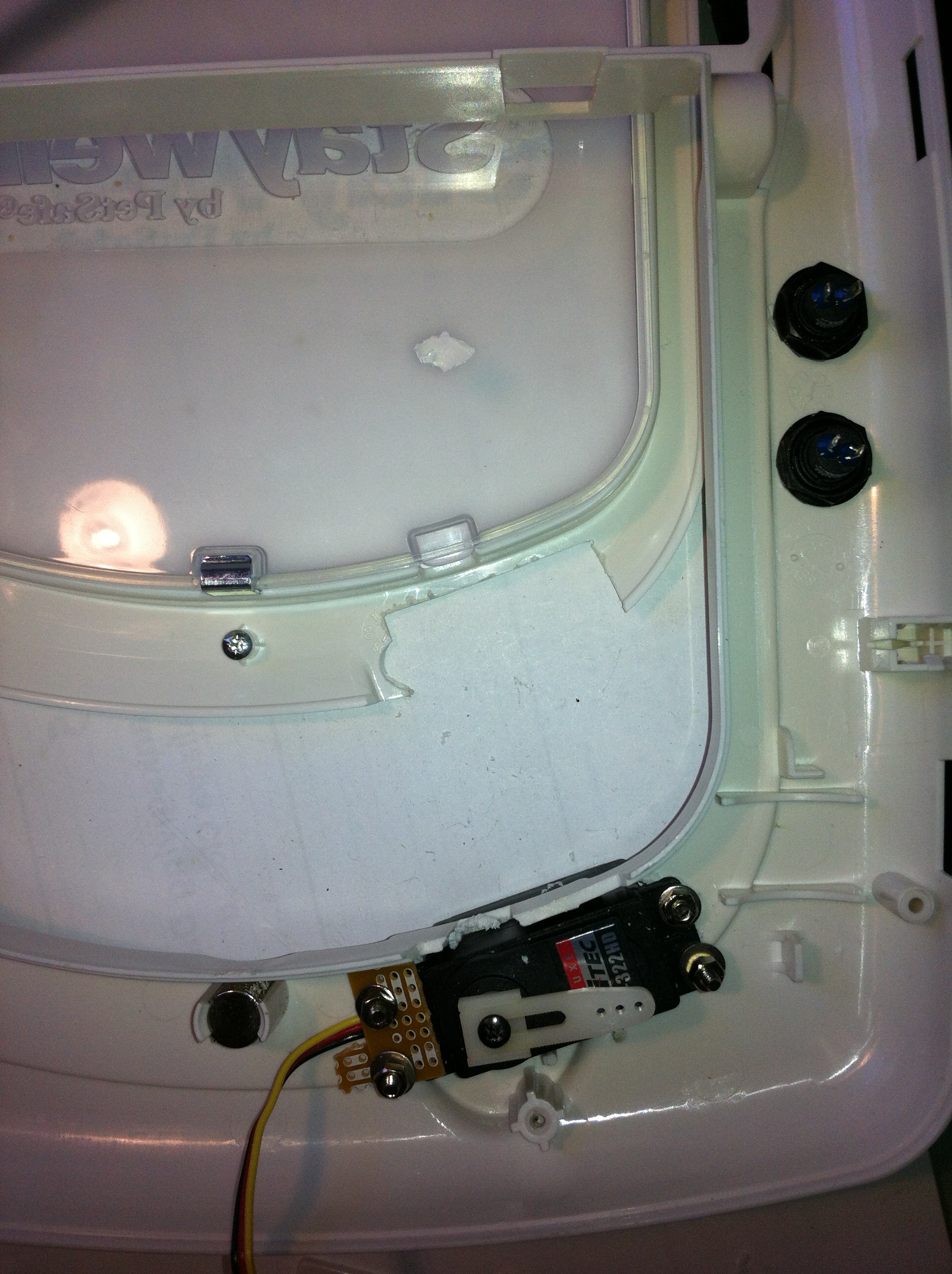 Picture of Install the Servo