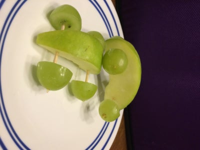 DIY APPLE CARS (HEALTHY SNACK FOR KIDS!!)