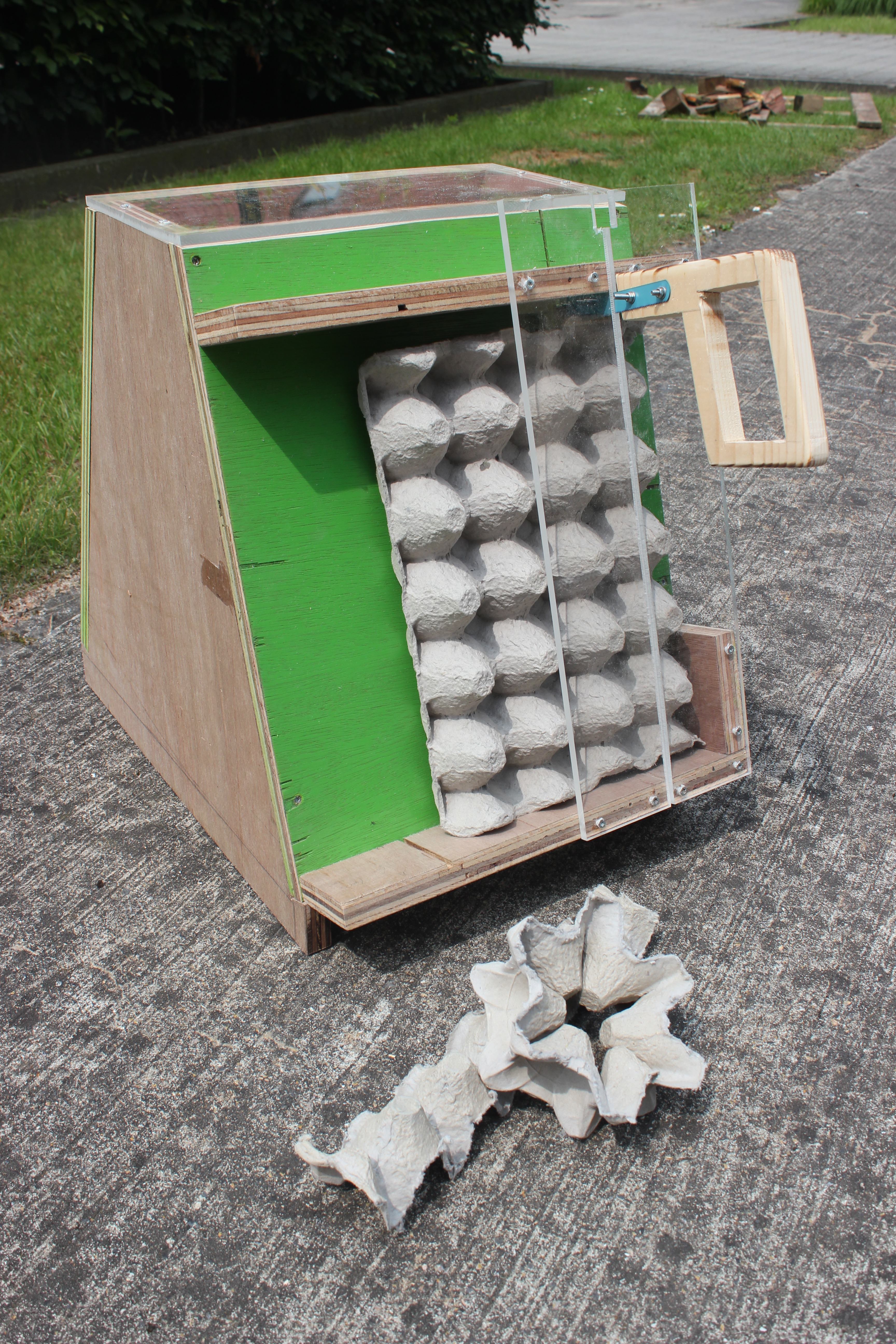 Picture of How to Make an Egg Carton Cutter